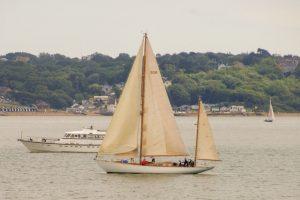 190714 b: yacht off Lepe