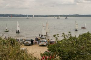 190714 a: dinghies leaving Lepe Beach